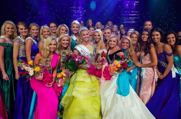 Earlier today, the Miss Universe Organization announced the dates and location of this year's Miss Teen USA pageant! The 51 contestants have finally found out their competition location just one month before the pageant.