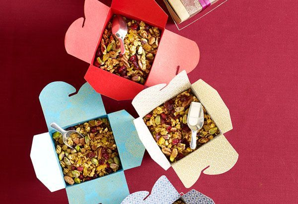 Homemade Granola | 42 Wedding Favors Your Guests Will Actually Want