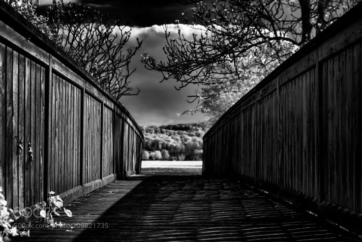 a little bridge - After nearly two weeks of cold rainy weather finally today the sun came back. IT was just for a few hours but enough to make a little walk through my home village. Thought I take my IR-converted camera with me........