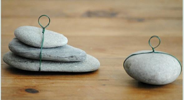 DIY Menu card holder made from pebbles..