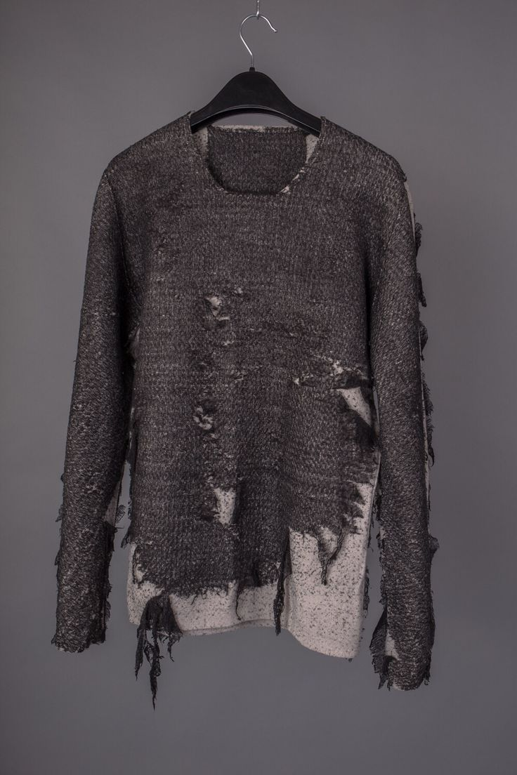 LABEL UNDER CONSTRUCTION | DISTRESSED SWEATER