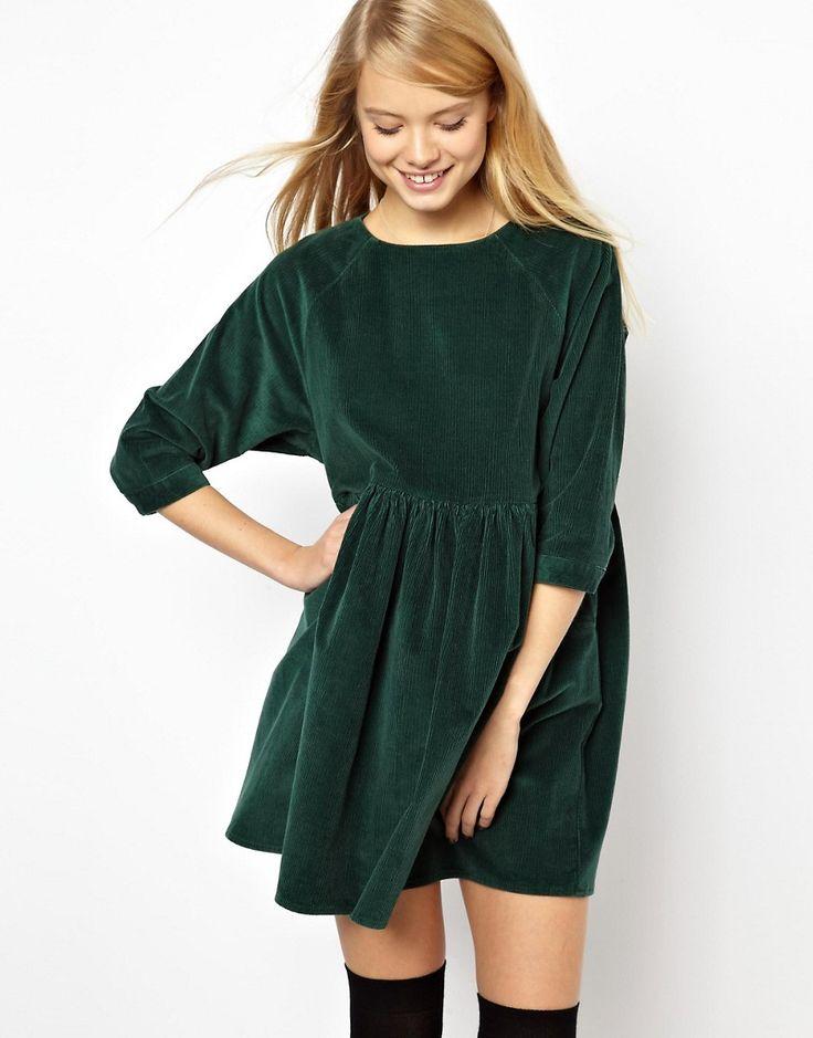 Image 1 - ASOS - Robe à smocks en velours côtelé - Vert