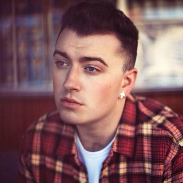 Sam Smith has become one of my favorite artists. He has such a beautiful voice :)