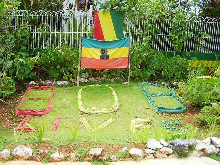 nine mile bob marleys grave colors green yellow red