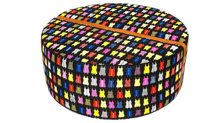 Livstycket pall, fotpall, rund, puff, mönstrad, skinn, möbel, inredning, möbler, detalj, vardagsrum, hall, sovrum.