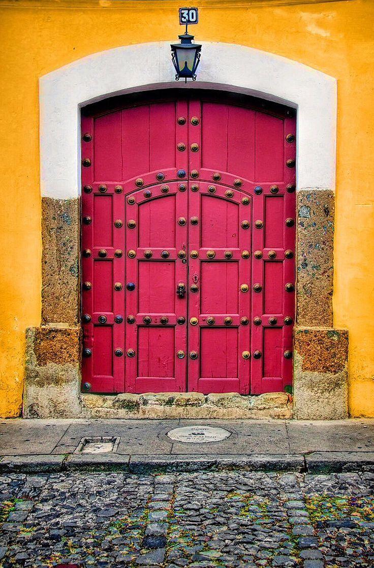 Antigua, Guatemala   ..rh