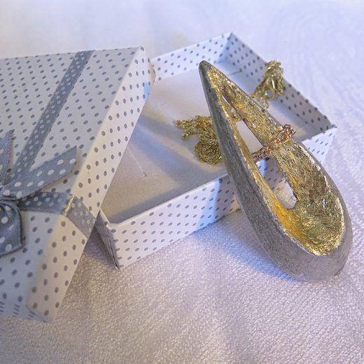 Tessie ručne vyrobený náhrdelník - Zlatý betón