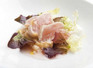 Denny Chef Blog: Tonno bianco tataki, quinoa agrodolce, salsa tonnata e brodo leggero di Campari