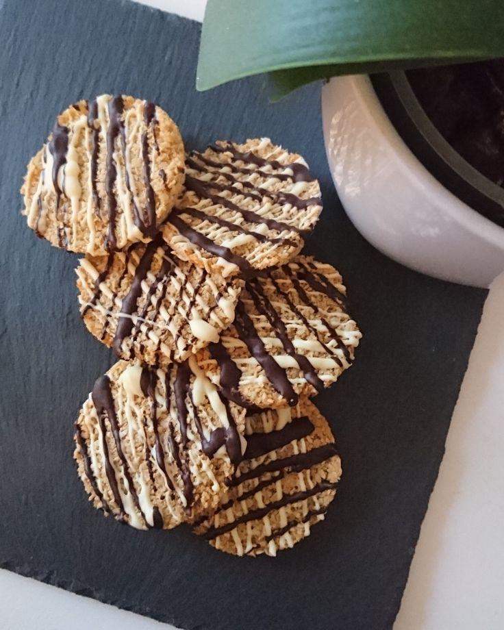 Ingredienser til 1 portion      60g cashewnødder   70g kokosmel   1 æg   30g Suvida Gylden ( KØB DET HER )...
