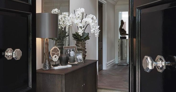 Nothing better than a double door front entrance to make a good first impression. #sophiepatersoninteriors #homedecor #furniture #luxury #luxuryinteriors #surrey #cobham #frontdoor #entrancehall