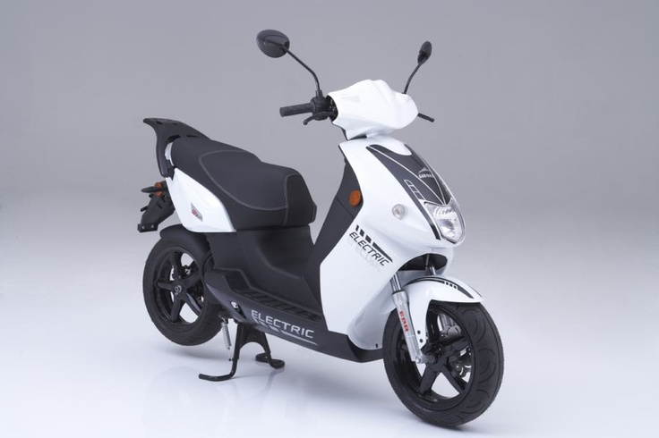 Govecs GO! S3.4 -electric scooter.