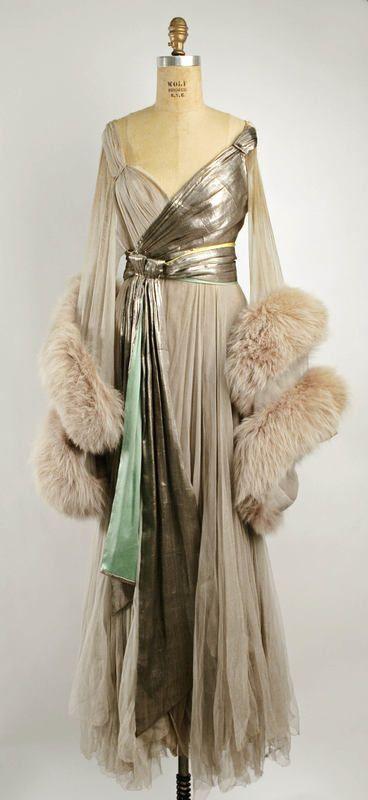 1914 Boudoir gown