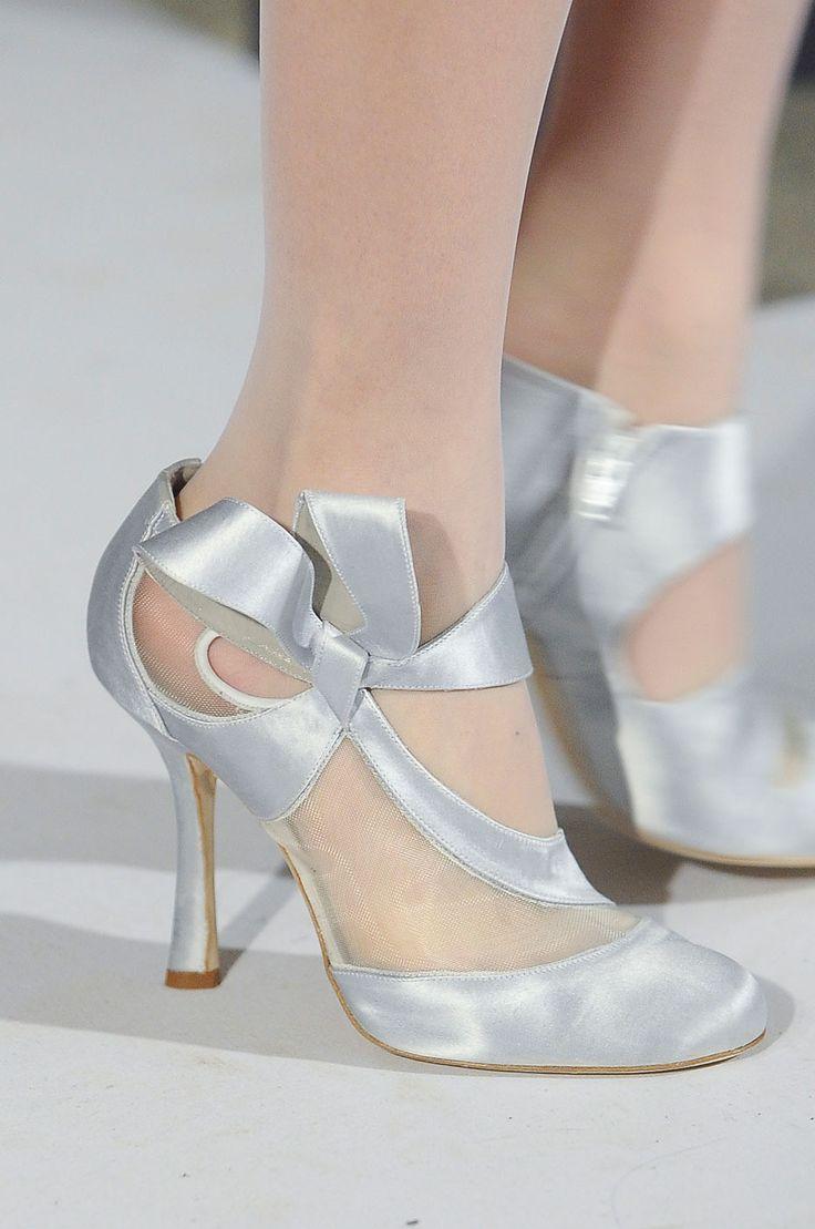 .: Oscar De La Renta, Renta Fall, Silver Bridal, Wedding Shoes, Wedding Ideas, Lavender Wedding, Silver Shoes, Silver Wedding, Bridal Shoes