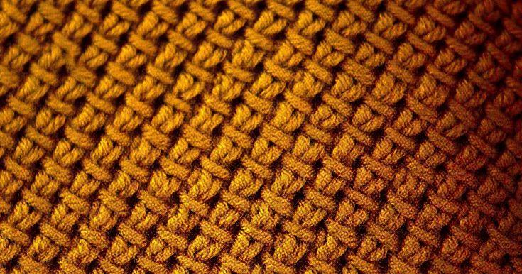PUNTO TESSUTO  Quando la maglia vuole somigliare a qualcos'altro    Per un lavoro fitto, compatto, indeformabile, double face (perfetto p...