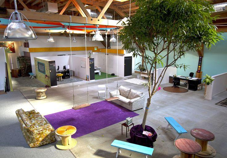 kelly-robinson-interview-couchsurfing-office-designboom-01