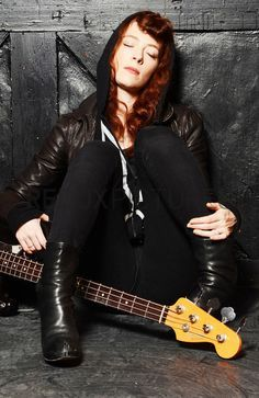 Melissa Auf Der Maur | Pinterest - On the floor