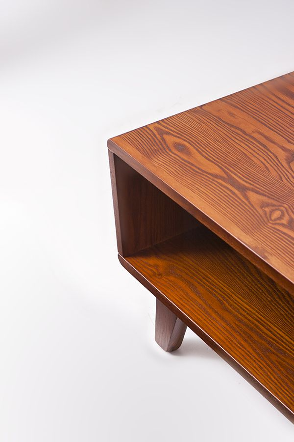 The Arco Storage Coffee Table is designed and manufactured in #NewZealand.  Crafted from solid American White Ash and finished in a durable lacquer to give years of functional #beauty. White Ash is a beautifully grained hardwood that is grown on the East Coast of the #UnitedStates. Appreciated for its density stability and attractive grain, White Ash is ideal for furniture construction and suited to both classic and contemporary styles.  #hunterfurniture #coffeetable #furniturehunters