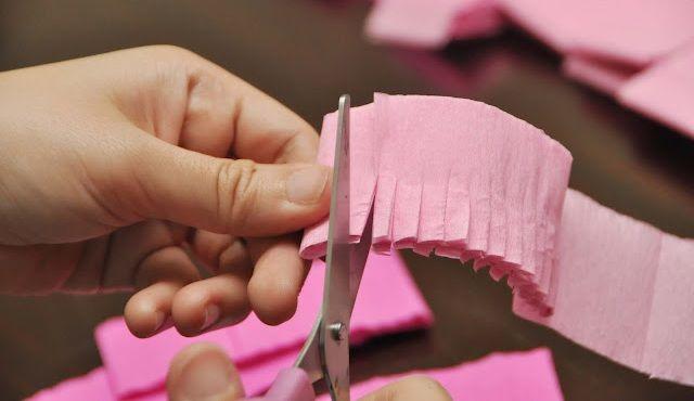 Como hacer cortinas con papel crepe