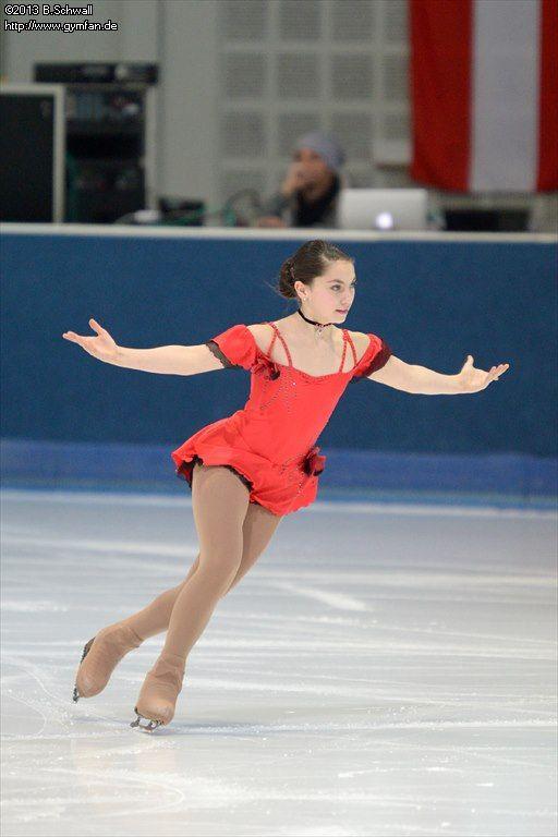 Greta Mager skating her short program in the 2013