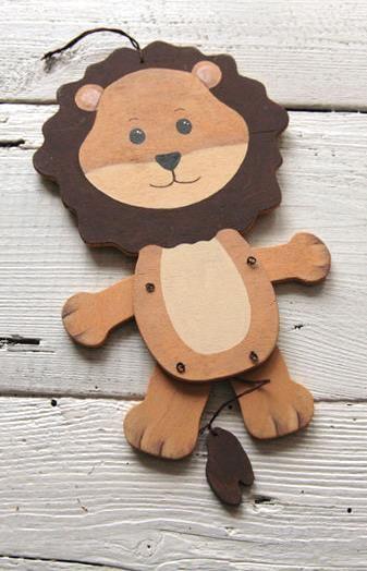 Mit diesem Hampel-Löwen lassen sich kleine und große Kinder begeistern - Bastelanleitung via Makerist.de