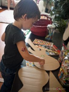 decorate your own guitar a game to keep the kids busy!