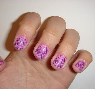 Disegni per unghie corte, facili e originali. La maggior parte dei disegni da applicare sulle unghie che trovate su internet sono per unghie lunghe o implicano l'applicazione di unghie finte. Per quelle cui piacciono le unghie corte e che voglion...