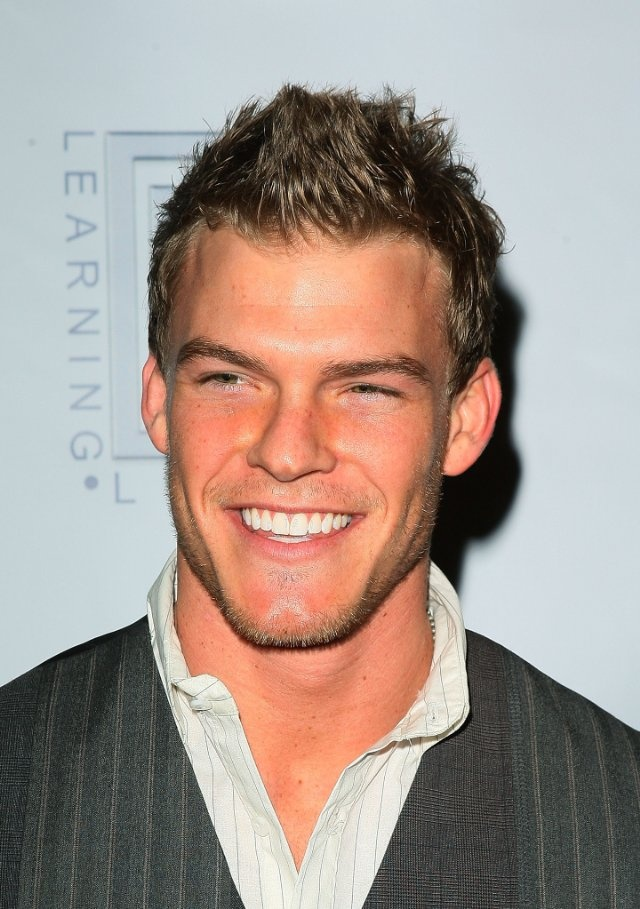 Alan Ritchson -- literally LOVE this guy. :)