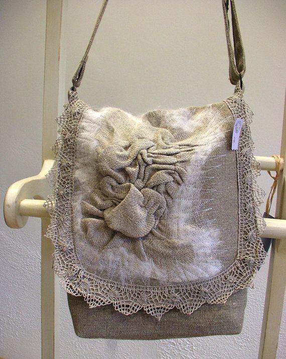 MessengerLinen Burlap Felt Lace BagOOAK Wearable Art by LinenGifts, €48.49