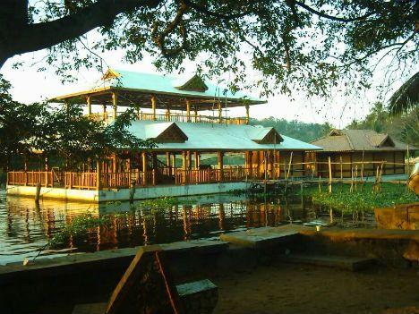 Floating Restaurants Around the World  Veli Lake Floating Restaurant, Trivandrum