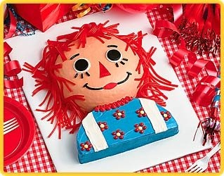 Cabbage Rose Outpost: Raggedy Ann Cakes...ADORABLE!Raggedy Anne, Little Girls, Cake Recipe, Birthday Parties, Anne Parties, 1St Birthday, Parties Ideas, Anne Cake, Birthday Cake