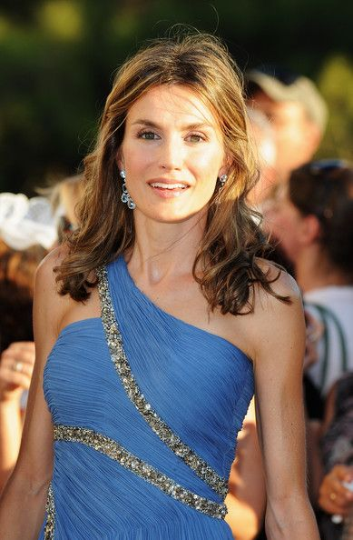 Queen Letizia of Spain Photos - Princess Letizia of Spain arrives to attend the wedding of Tatiana Blatnik with Prince Nikolaos of Greece at the Cathedral of Ayios Nikolaos (St. Nicholas) on August 25, 2010 in Spetses, Greece. Representatives from Europe?s royal families have joined the many guests who have travelled to the island to attend the wedding of Prince Nikolaos of Greece, the second son of King Constantine of Greece and Queen Anne-Marie of Greece and Tatiana Blatnik an events…