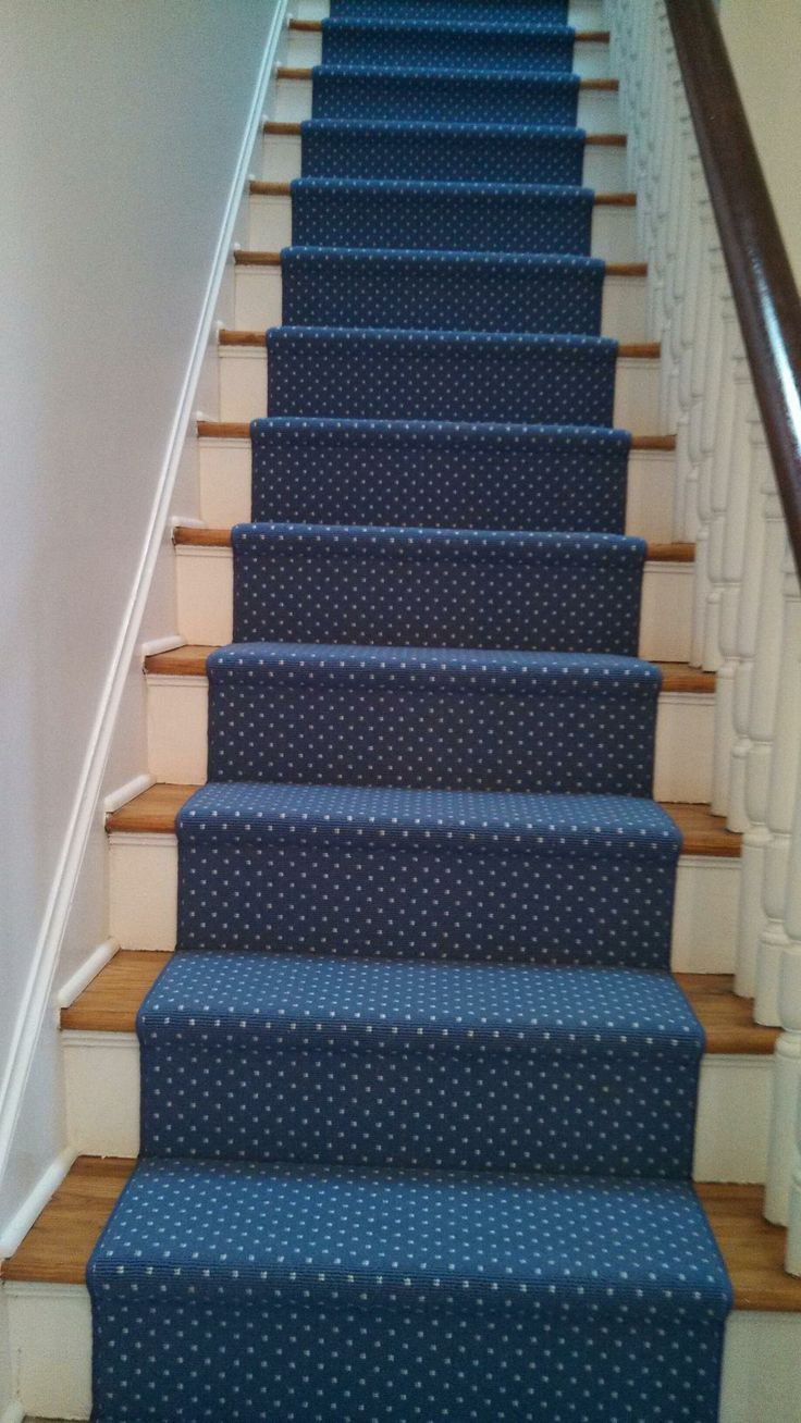 Couristan Kinsale In Dresden Blue Installed In An 18th Century Home With  Heart Pine Stairs