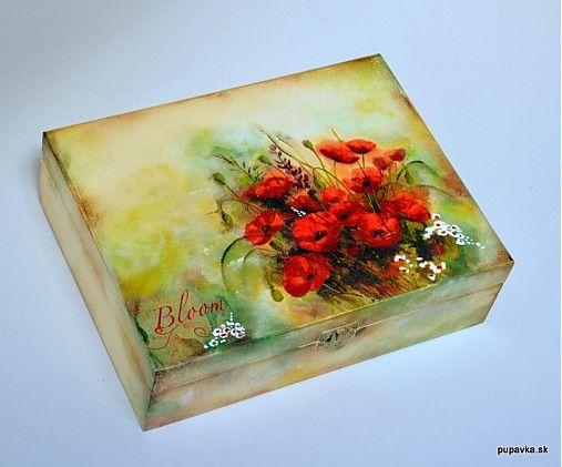 12 priehradková krabica, malovaná akryl farbami, decoupage, prelakovaná viackrát nezávadnym eco lakom, masívne drevo...