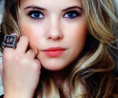 : Peaches Lips, Natural Makeup, Eye Makeup, Peach Lips, Hair Makeup Nails, Ashley Benson, Posts, Beautiful Faces, Beautiful Eye