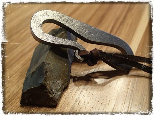 A friend of mine recently sent me a traditional medieval flint and steel fire making kit in a leather pouch.This kit originates from a Russian...