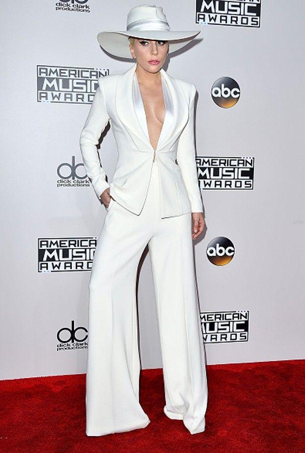 Lady Gaga usa look Brandon Maxwell (Foto: Getty Images)