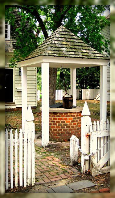 Living In Williamsburg, Virginia: Elkanah Deane House Well And Garden, Colonial Williamsburg, Virginia