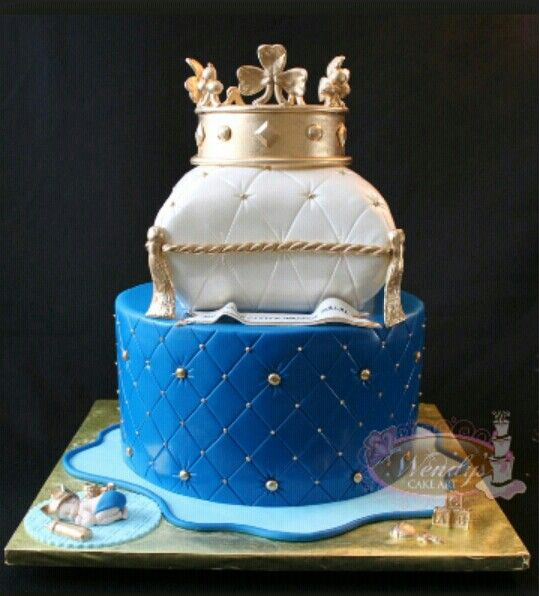 King Crown Pillow Cake Cakes Amp Confections Pinterest