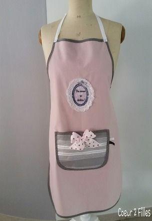 Grand tablier de cuisine : pour la reine de la cuisine !  Réglable et ajustable par liens en haut et dans le dos  Tissu : toile de coton épaisse vieux rose, poche en toile à - 14612249