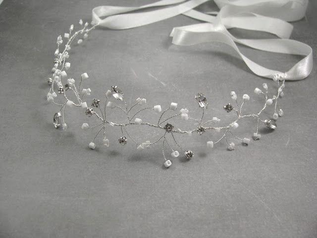 Kryształowo biała opaska ślubna - wianek.