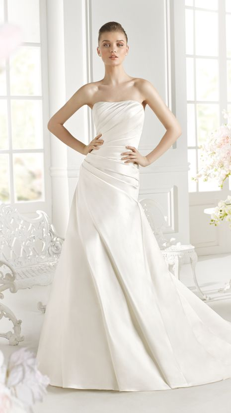 ORAN | Bridal Gowns | 2015 Collection | Avenue Diagonal