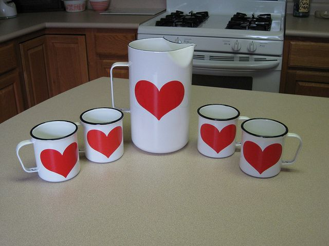 Arabia Finland Heart Pitcher and Cups. I'm in love!