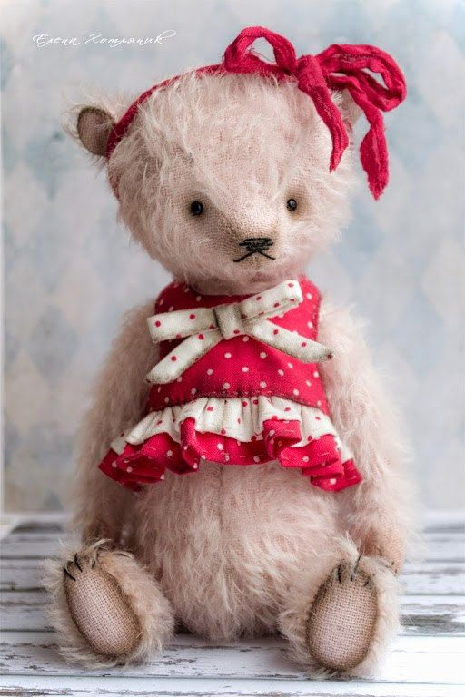 Attention! Pattern for people who have experience in sewing toys. Without instructions. Only the pattern.  Milochka-teddy bear and Dress.. Mohair. 21cm height. PDF pattern. The pattern has a real 1:1 size. It is presented on i sheet, no job descriptions. It is designed for those who has the basic skills of teddy bears sewing. The seam allowance is not included so you need to add 4-5 mm.  Please note: The pattern distribution, resale, publication on the internet and in any printed sources, as…