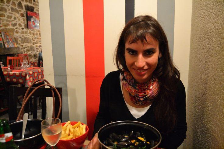 Moules en Saint-Brieuc #patatas #pommes #salmon #viajar #gastronomía #Francia #France #Bretaña #cocina #food #comer #beber #amar #foodie