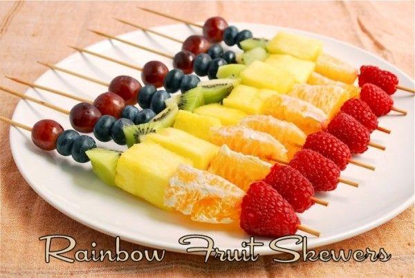 Rainbow-Fruit-Skewers-600x402