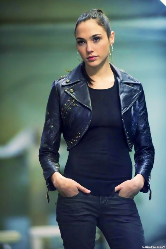 27 best images about gal gadot the moto jacket on pinterest wonder woman paul walker and. Black Bedroom Furniture Sets. Home Design Ideas