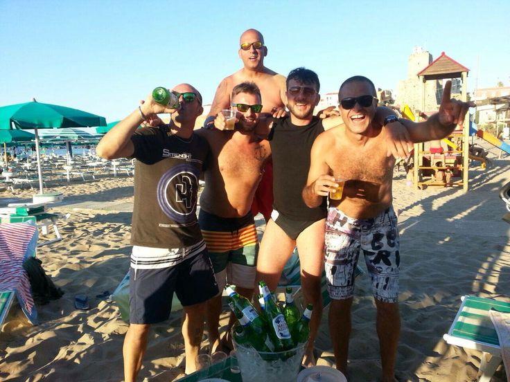Qualche birretta... di troppo! #spiaggiapanfilo #termoli