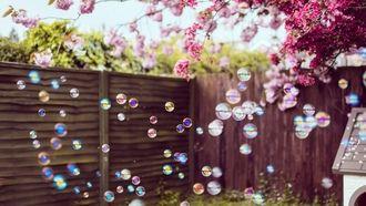 мыльные, пузыри, во дворе