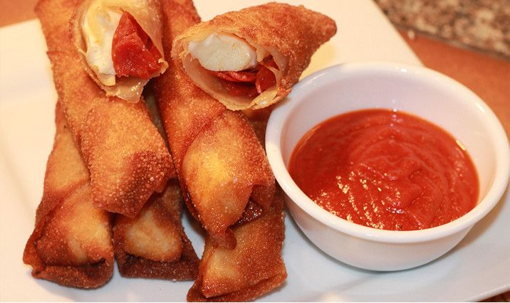 Pepperoni Pizza Egg Rolls