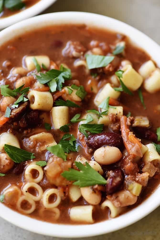 Pasta Fagioli Recipe – If you love the Olive Garden Pasta Fagioli recipe, then I think you'll love this homemade version as much or more! Ready in 30 minutes! Oh friends, do I have a scrumptious recipe for you all today! I've mentioned before about my how my college friends and I would make our...